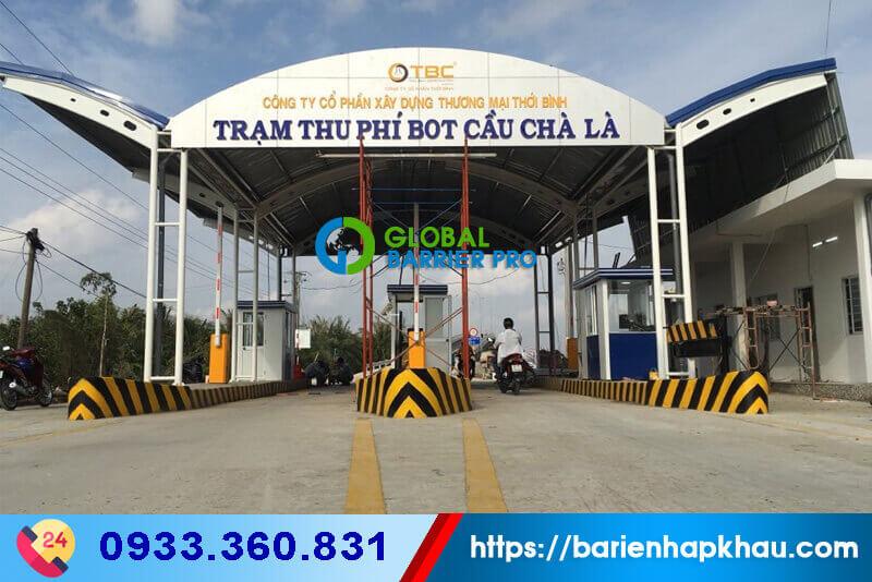 Lắp đặt hệ thống trạm thu phí với Cổng tự động Bisen BS-306